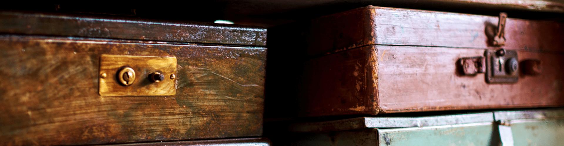 Malles, coffres et caisses